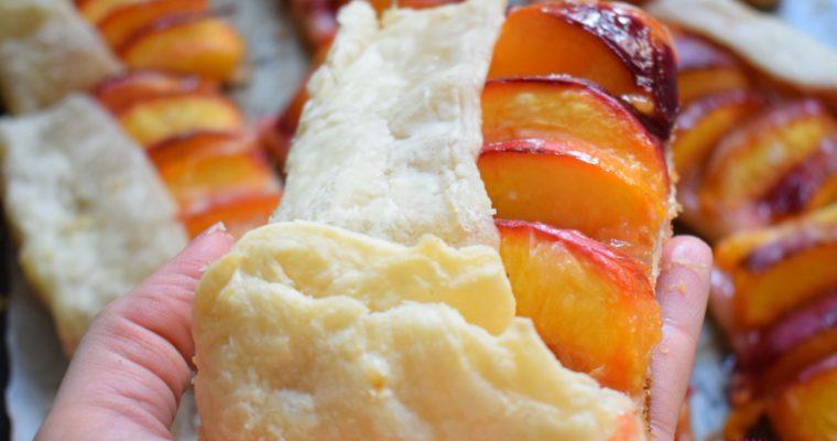 Tarta cu nectarine