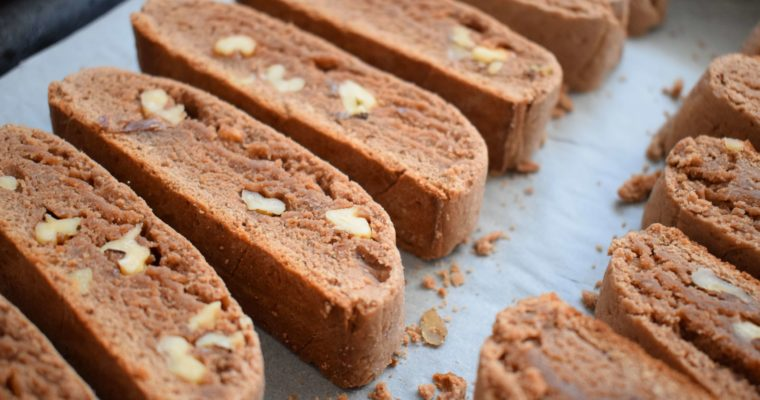 Biscotti cu nuci si cacao