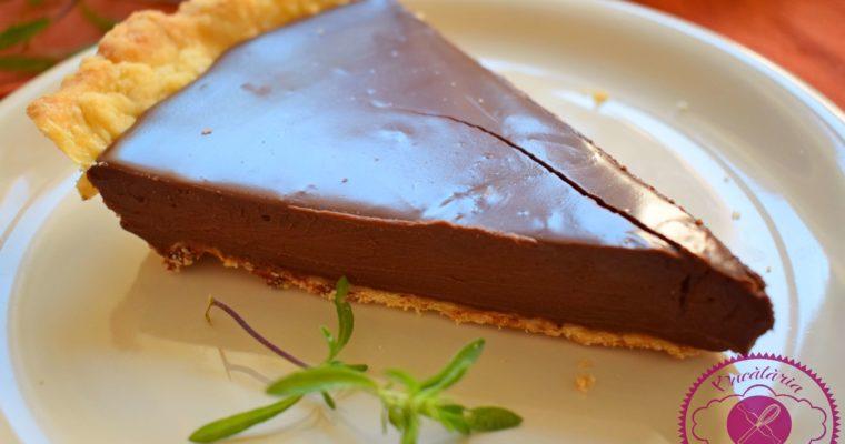 Tarta cu ciocolata si cimbru verde